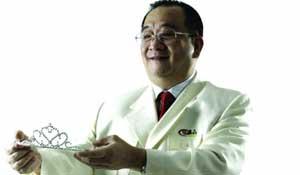 深圳富华美容医院院长   曹孟君