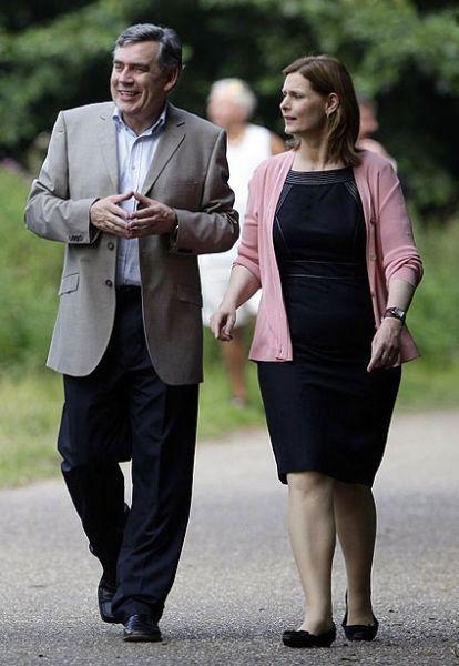 布朗在诺福克的Whitlingham公园散步。