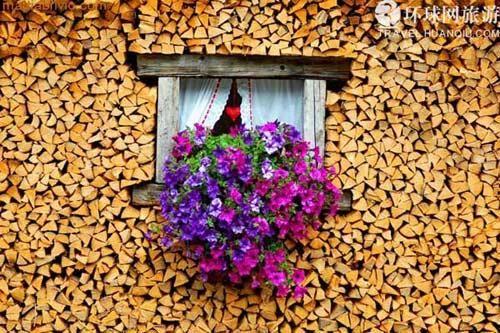 哈尔施塔特镇家家爱木头