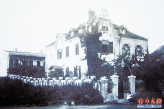1898年,位于馆陶路1号的青岛气象天测所,这是青岛观象台的前身。