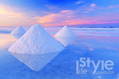 盐沼中的天空之镜