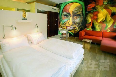 2.修士们原来的房间被改造成了舒适的现代化客房,每间都与众不同。
