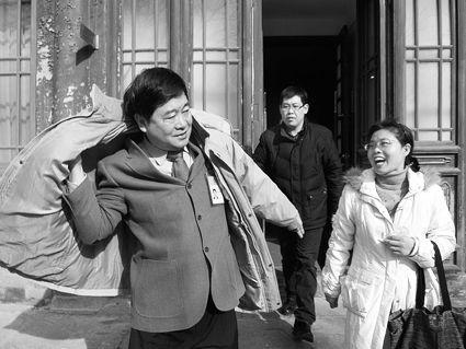 记者招待会结束后,单霁翔匆忙赶往下一场会议 摄/记者李洁