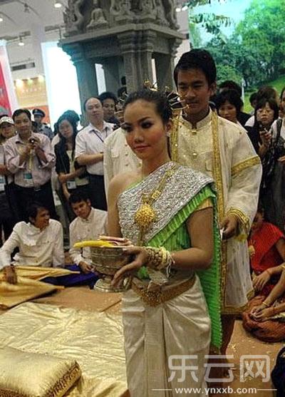 与树结婚的仪式。