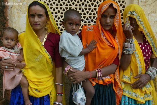 阿格拉王宫里的印度妇女