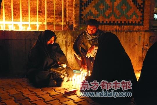 """适逢""""阿苏拉节"""",伊朗人在亚兹德街头参加纪念活动。"""