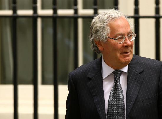 现任英国央行行长金恩(Mervyn King)将于明年6月底卸任,新行长会在今年年底之前确定,并于明年7月1日正式上任。(图片来源:FT)