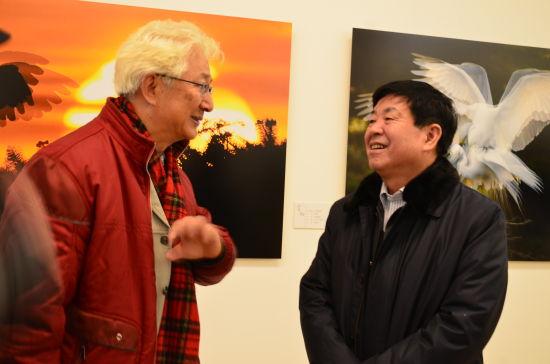 著名主持人陈铎与杨晓宁聊摄影作品