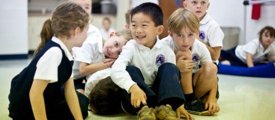 图片说明:根据英国私立中学协会(ISC)8月份发布的数据,在全英接近2.6万名读私校的非英籍学生中,有接近1万人来自中国大陆以及香港地区。(图片来源:WCL Group)