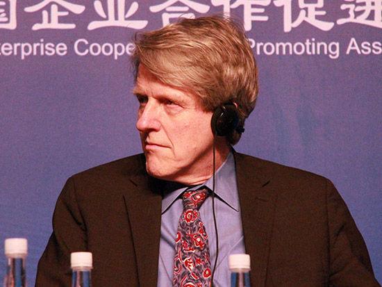 2013年诺贝尔经济学奖得主罗伯特-希勒