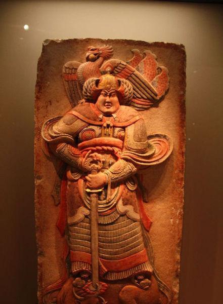 2000年安思远捐赠给中国国家博物馆的五代王处直墓汉白玉彩绘浮雕武士石板。