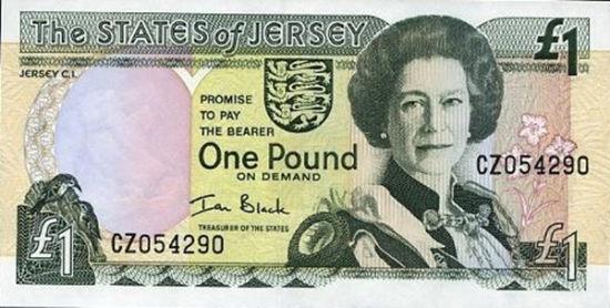 52岁,英女王肖像出现在外国钞票上。