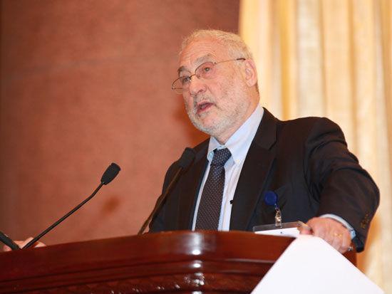 美国哥伦比亚大学教授、诺贝尔经济学奖获得者约瑟夫-斯蒂格利茨