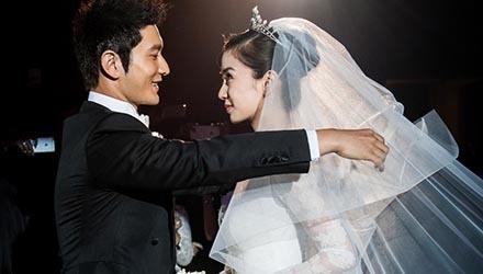 颖 的 胸罩 黄 晓明 杨 颖 昨 举行 婚礼 请 了 半个 圈 ...
