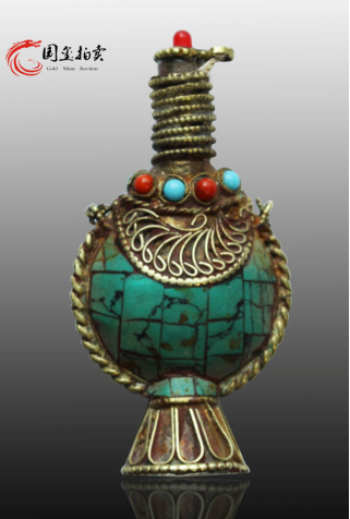 国玺拍卖:铜胎掐丝珐琅嵌宝鼻烟壶