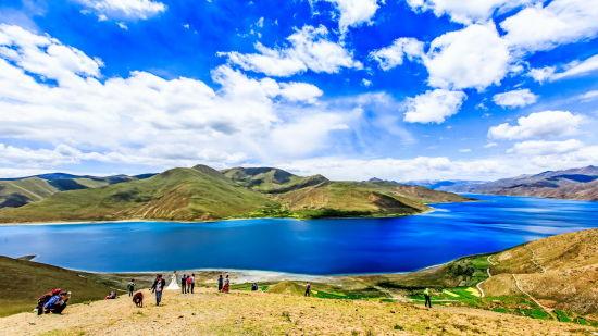 羊湖全景―许伟华摄
