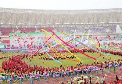 盱眙国际龙虾节开幕式文艺表演夺人眼球