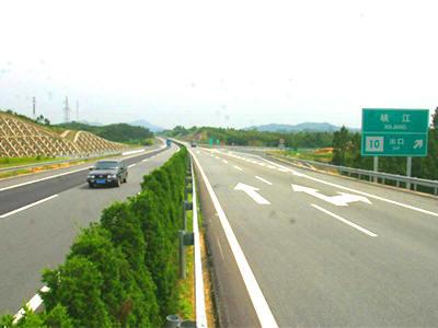 密集的高速公路网助推嘉兴经济发展