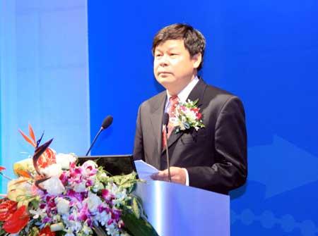 主持人杜占元副部长介绍嘉宾