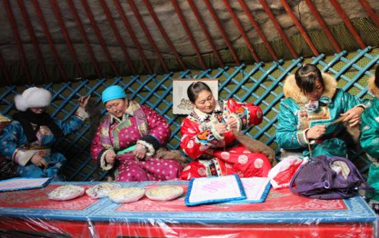 第三届银色西乌珠穆沁骆驼文化节隆重举行(组图)