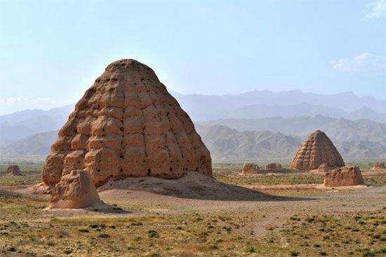 西夏王陵:东方金字塔(组图)