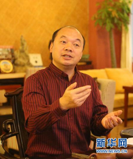 杨建国:发展主导产业 政府亟需做好服务