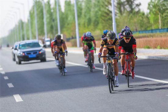 全国公路自行车冠军赛暨中国自行车联赛锡林浩特站圆满落幕