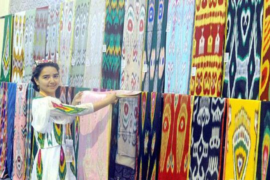 2015亚欧商品贸易博览会纺织服装产业馆大放异彩