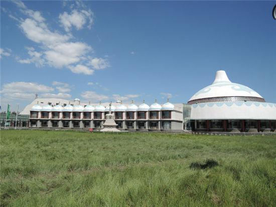 呼和浩特蒙古文化风情园:随心远行 自由翱翔