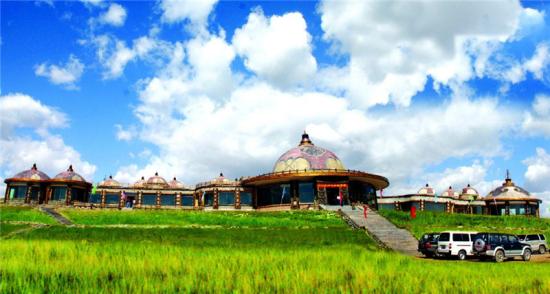 哈达门高原牧场:情歌向草原 策马到天边