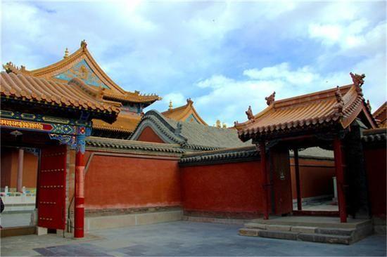 行走在呼和浩特大召寺 感受佛教洗礼