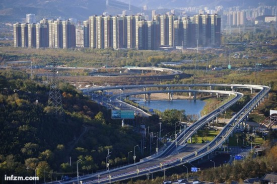 任志强答北京房价何时降 除非国务院搬走高清图片