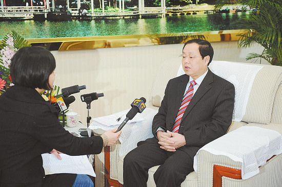 南宁市长黄方方:打造北部湾经济区核心城市