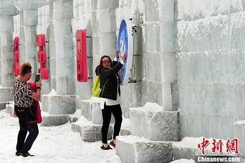 春节期间全国接待游客3.44亿人次 收入4233亿元