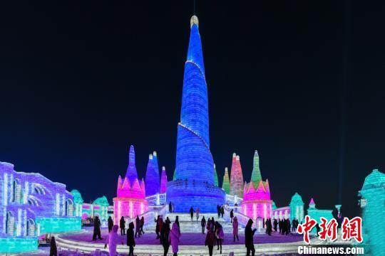 """世界最大冰雪主题乐园以冰雪还原""""丝路文明"""""""