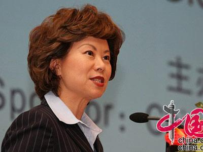 美前劳工部长赵小兰:在美国投资最安全