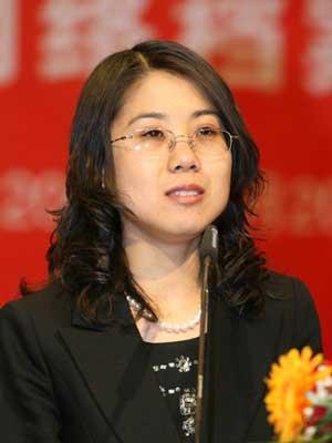 图文:英才杂志社副社长董丽莉发言