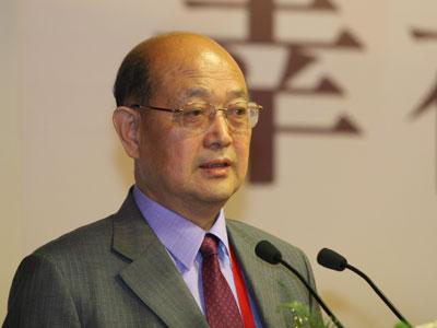 上海大学社会学系教授邓伟志发言(图)