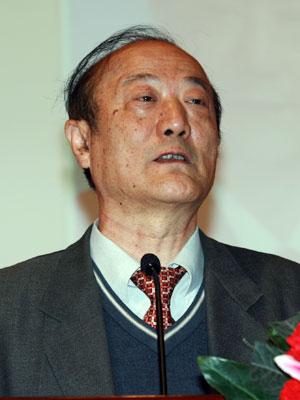 图文:全国政协副主席厉无畏致辞