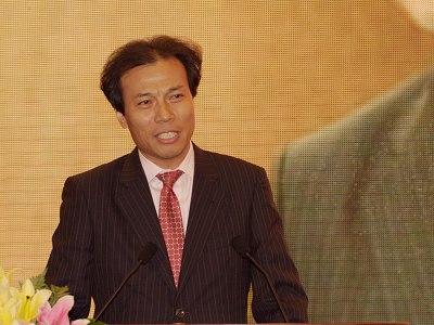 图文:福建新华都实业集团总裁唐骏