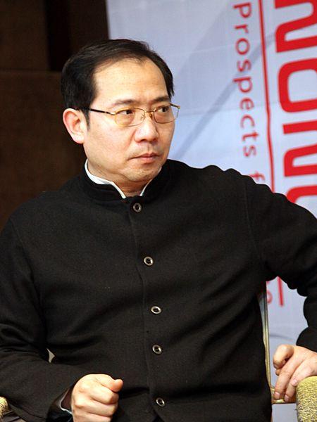 """""""第八届中国文化产业新年论坛""""于2011年1月8日-9日在北京召开。上图为中国文化产权交易所筹备组负责人、科瑞集团监事会主席彭中天。(资料图片)"""