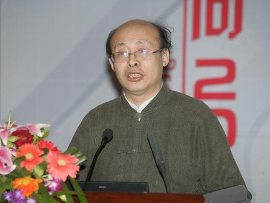 """""""第八届中国文化产业新年论坛""""于2011年1月8日-9日在北京召开。上图为清华大学国家文化产业研究中心主任熊澄宇。(资料图片)"""