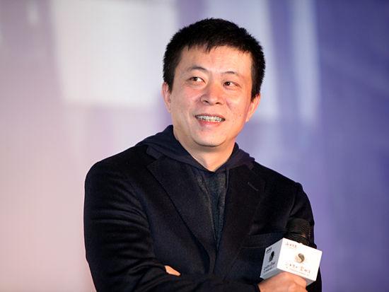 """""""正和岛试运行启动仪式""""于2011年12月29日在北京举行。上图为新浪首席执行官兼总裁曹国伟。(图片来源:新浪财经 梁斌 摄)"""