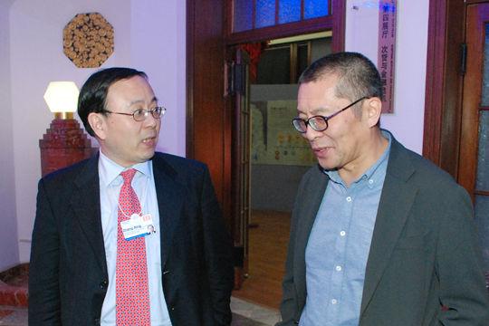 大众保险董事长张兴与王巍进行交流