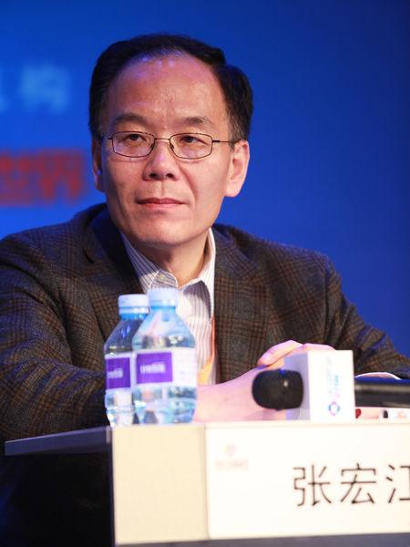 """""""2012中国技术商业领袖峰会""""于2012年11月16-17日在北京举行。上图为金山软件首席执行官张宏江。(图片来源:新浪财经 梁斌 摄)"""