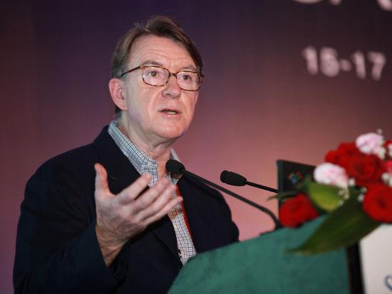 """""""三亚・财经国际论坛""""于2012年12月15日-17日在海南省三亚市召开举行。上图为Global Counsel战略咨询公司主席曼德尔森。(图片来源:新浪财经 梁斌 摄)"""