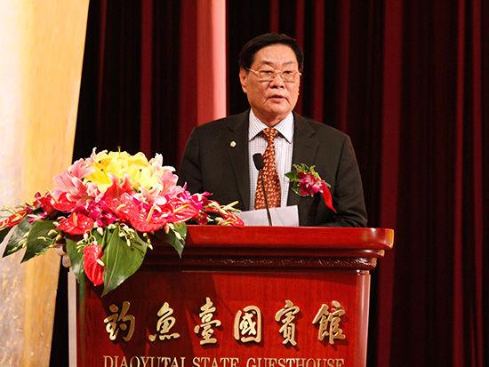 中国商业联合会名誉会长何济海致辞