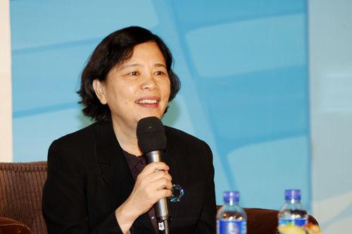潍坊王宇_图文:人民银行研究局副局长王宇
