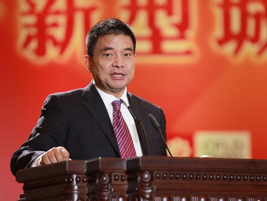 刘永好:组建金融担保公司为农民担保借贷