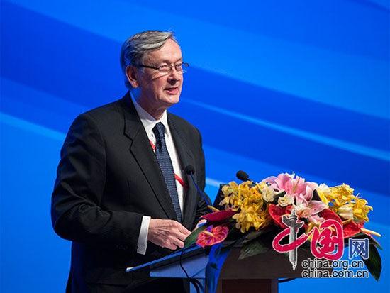 """由中国国际经济交流中心主办的""""第四届全球智库峰会""""于6月26日-27日在北京举办。上图为国际法教授、斯洛文尼亚前总统达尼洛・图尔克。(图片来源:中国网)"""